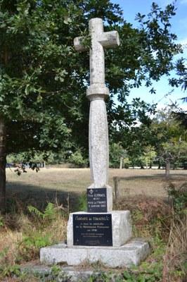 Croix du Père Guénael à Timadeuc